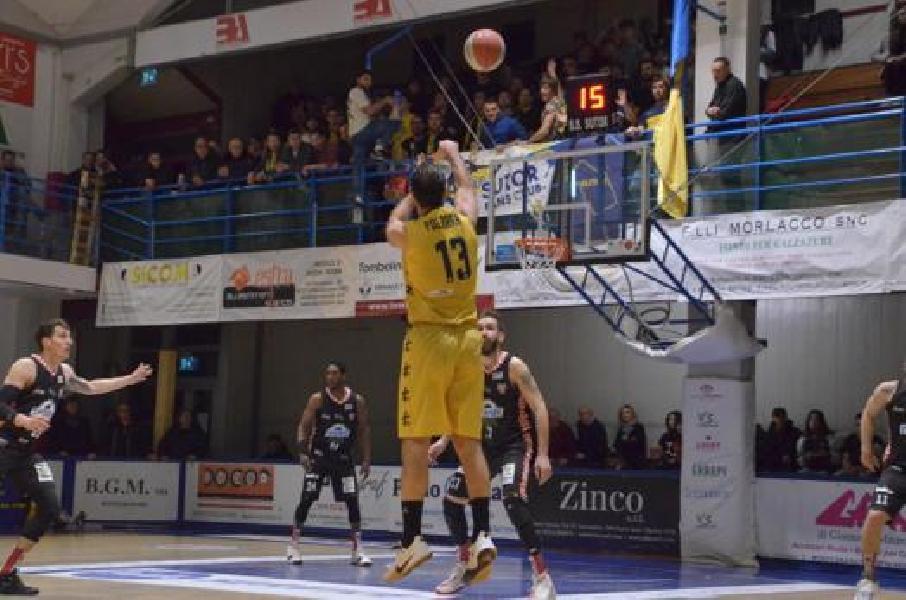https://www.basketmarche.it/immagini_articoli/05-01-2020/sutor-montegranaro-sfiora-colpo-tramec-cento-600.jpg