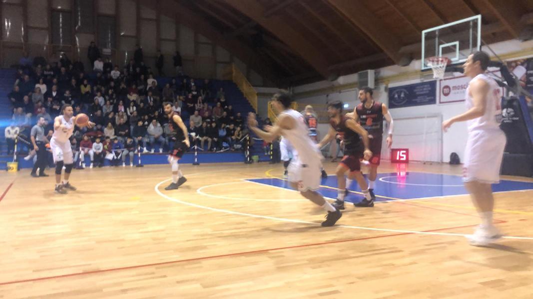 https://www.basketmarche.it/immagini_articoli/05-01-2020/unibasket-lanciano-spegne-ultimo-quarto-lascia-strada-vigor-matelica-600.jpg