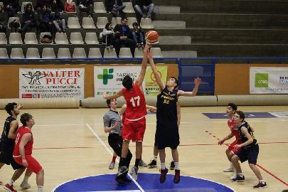 https://www.basketmarche.it/immagini_articoli/05-02-2018/under-18-elite-la-lupo-pesaro-passa-sul-campo-del-basket-fanum-e-resta-imbattuta-270.jpg