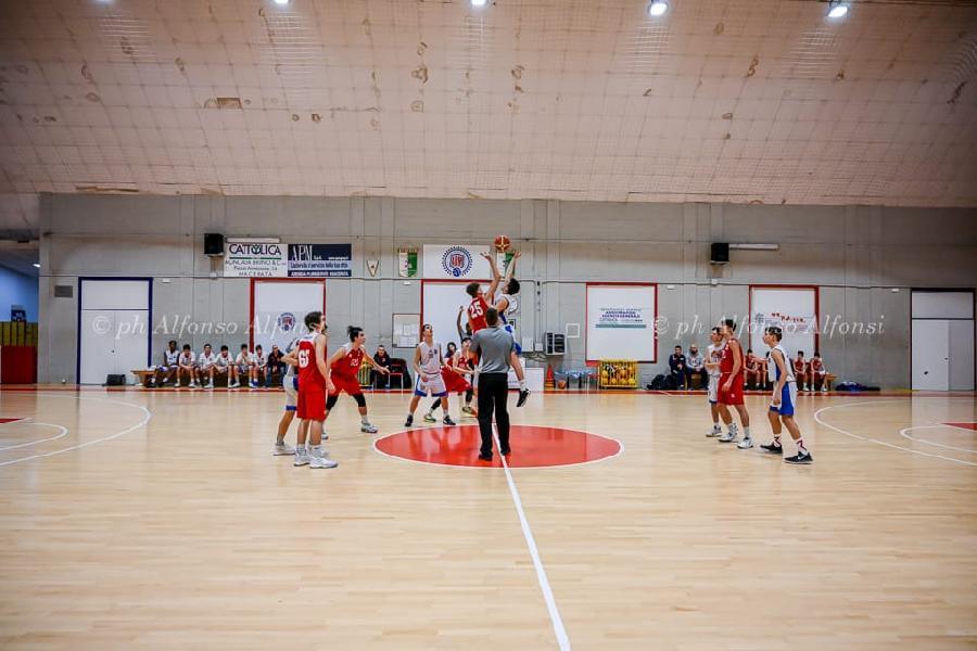 https://www.basketmarche.it/immagini_articoli/05-02-2020/under-eccellenza-netta-vittoria-pontevecchio-basket-campo-basket-maceratese-600.jpg