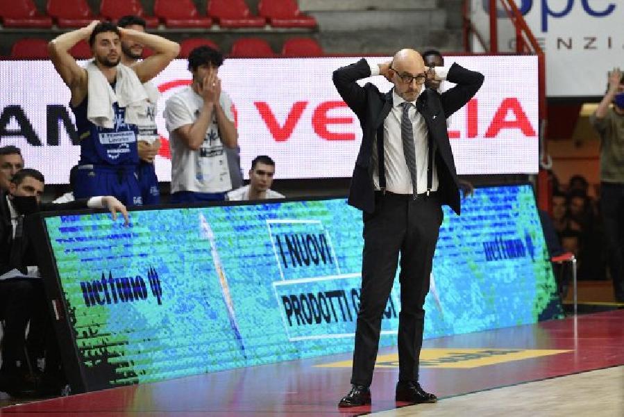 https://www.basketmarche.it/immagini_articoli/05-02-2021/brindisi-coach-vitucci-varese-brava-capitalizzare-nostri-errori-partita-decisa-piccoli-episodi-600.jpg