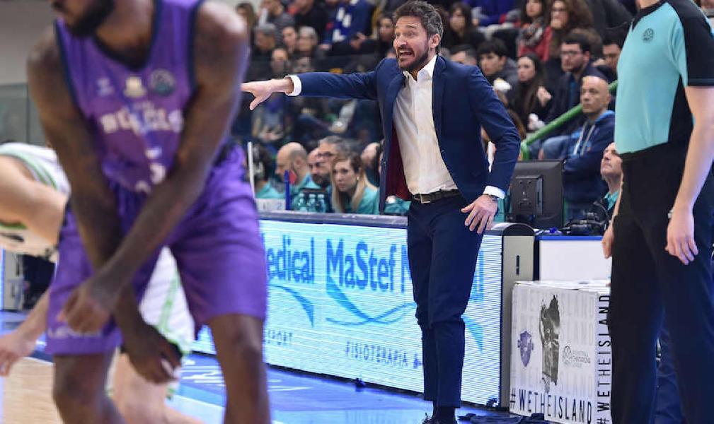 https://www.basketmarche.it/immagini_articoli/05-03-2020/dinamo-sassari-coach-pozzecco-dobbiamo-ritrovare-latteggiamento-regalato-fino-grandi-risultati-600.jpg