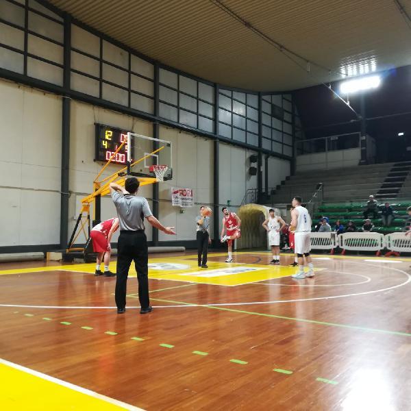 https://www.basketmarche.it/immagini_articoli/05-03-2020/pallacanestro-giromondo-spoleto-vince-scontro-diretto-nestor-marsciano-600.jpg