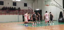 https://www.basketmarche.it/immagini_articoli/05-03-2020/sericap-cannara-risale-vince-scontro-diretto-atomika-spoleto-overtime-120.jpg