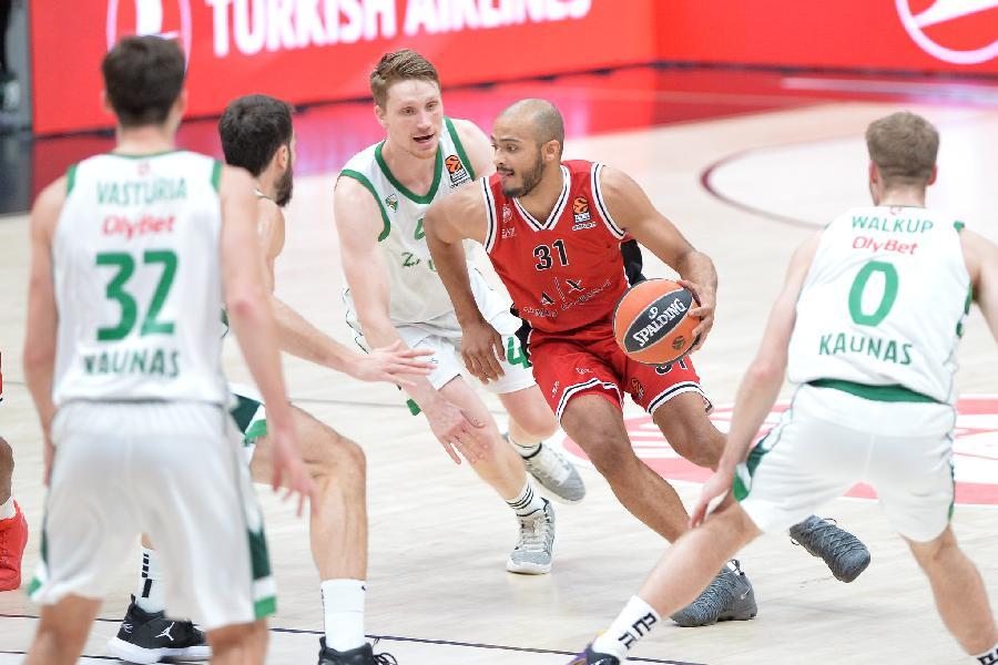 https://www.basketmarche.it/immagini_articoli/05-03-2021/olimpia-milano-trasferta-kaunas-coach-messina-attenzione-loro-aggressivit-energia-600.jpg