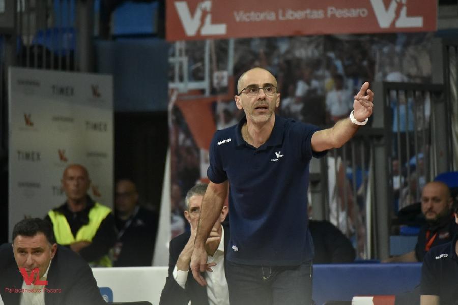 https://www.basketmarche.it/immagini_articoli/05-04-2019/vuelle-pesaro-coach-calbini-cremona-dobbiamo-ripartire-intensit-aggressivit-600.jpg