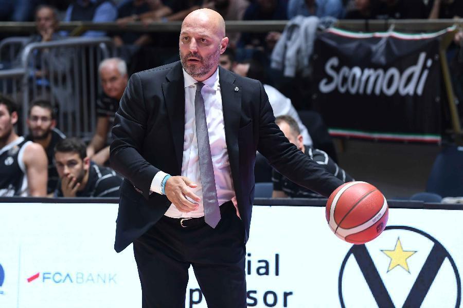 https://www.basketmarche.it/immagini_articoli/05-04-2021/virtus-bologna-coach-djordjevic-siamo-pronti-maturi-concentrati-affrontare-maniera-migliore-unics-600.jpg