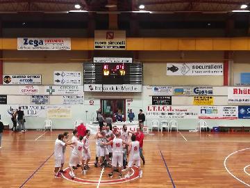 https://www.basketmarche.it/immagini_articoli/05-05-2018/d-regionale-playoff-gara-3-il-basket-tolentino-doma-i-brown-sugar-fabriano-270.jpg