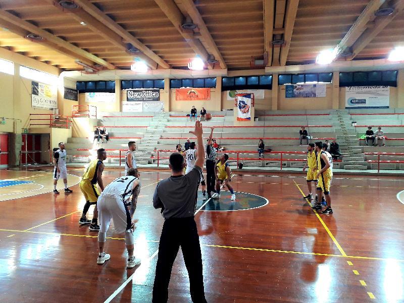 https://www.basketmarche.it/immagini_articoli/05-05-2019/prima-divisione-playoff-marotta-basket-parte-piede-giusto-orsal-ancona-600.jpg