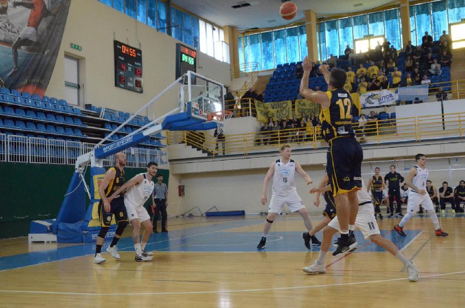 https://www.basketmarche.it/immagini_articoli/05-05-2019/serie-gold-playoff-live-risultati-gara-semifinale-tempo-reale-600.jpg