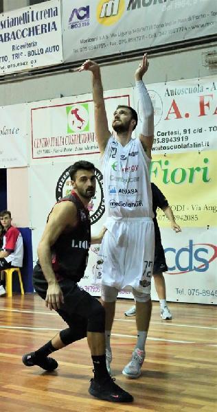 https://www.basketmarche.it/immagini_articoli/05-06-2020/ufficiale-davide-visigalli-giocatore-basket-todi-600.jpg