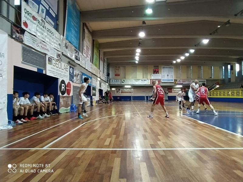 https://www.basketmarche.it/immagini_articoli/05-06-2021/robur-osimo-espugna-rimonta-campo-basket-todi-600.jpg
