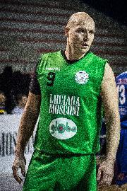 https://www.basketmarche.it/immagini_articoli/05-07-2018/serie-b-nazionale-daniele-giachi-rimane-al-campetto-ancona-con-il-doppio-ruolo-di-giocatore-e-team-manager-270.jpg
