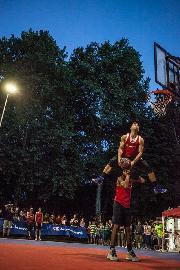https://www.basketmarche.it/immagini_articoli/05-07-2018/summer-league-senigallia-venerdì-6-luglio-è-l-ora-dello-spettacolare-dunk-show-270.jpg