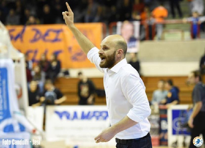https://www.basketmarche.it/immagini_articoli/05-07-2019/aurora-jesi-ufficiale-risoluzione-contratto-coach-damiano-cagnazzo-600.jpg
