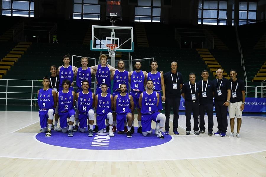 https://www.basketmarche.it/immagini_articoli/05-07-2019/universiadi-2019-esordio-amaro-azzurri-canada-domina-600.jpg