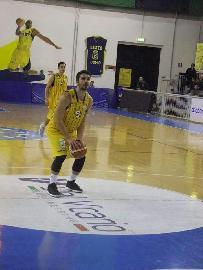 https://www.basketmarche.it/immagini_articoli/05-08-2018/serie-c-silver-pallacanestro-recanati-arriva-la-conferma-anche-per-matteo-larizza-270.jpg