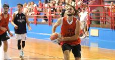 https://www.basketmarche.it/immagini_articoli/05-08-2020/pallacanestro-roseto-ufficiale-arrivo-playmaker-edoardo-emidio-120.jpg