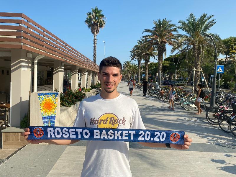 https://www.basketmarche.it/immagini_articoli/05-08-2021/grande-colpo-mercato-roseto-basket-2020-ufficiale-arrivo-play-marco-giandomenico-600.jpg