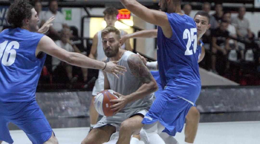 https://www.basketmarche.it/immagini_articoli/05-09-2019/buon-test-amichevole-sporting-club-juvecaserta-basket-formia-600.jpg