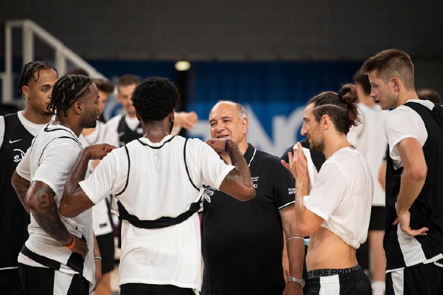 https://www.basketmarche.it/immagini_articoli/05-09-2021/aquila-basket-trento-coach-molin-squadra-venuta-mancare-cose-fondamentali-possiamo-prescindere-600.jpg