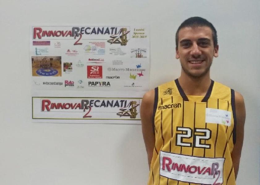 https://www.basketmarche.it/immagini_articoli/05-10-2018/entusiasmo-presentazione-pallacanestro-recanati-annunciato-main-sponsor-600.jpg