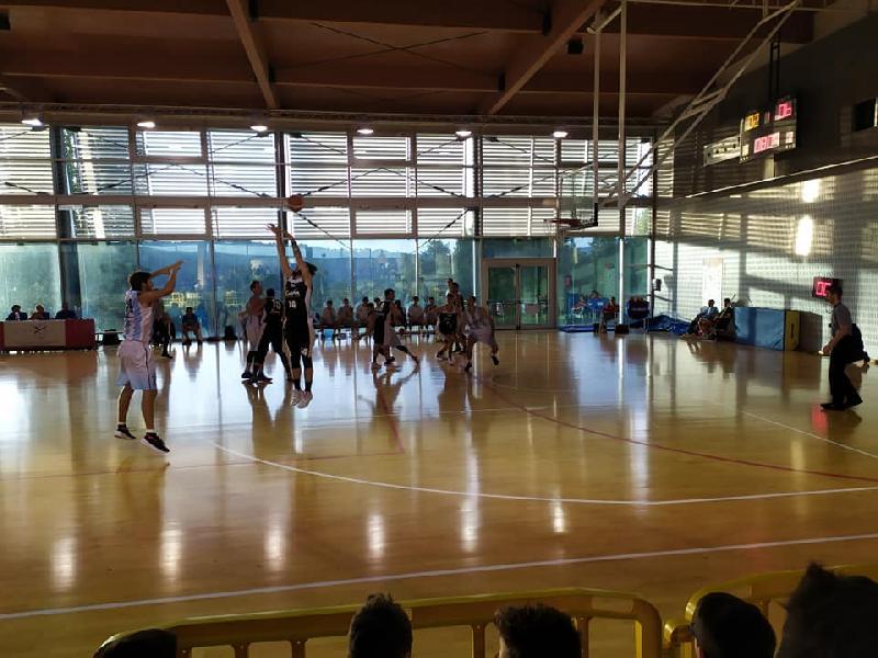 https://www.basketmarche.it/immagini_articoli/05-10-2019/titano-marino-supera-volata-pallacanestro-acqualagna-600.jpg