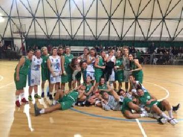 https://www.basketmarche.it/immagini_articoli/05-11-2017/under-16-femminile-bel-derby-tra-le-due-formazioni-del-cab-stamura-orsal-270.jpg
