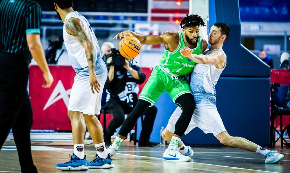 https://www.basketmarche.it/immagini_articoli/05-11-2019/eurocup-dinamo-sassari-sbanca-campo-twarde-pierniki-torun-grande-ultimo-quarto-600.jpg