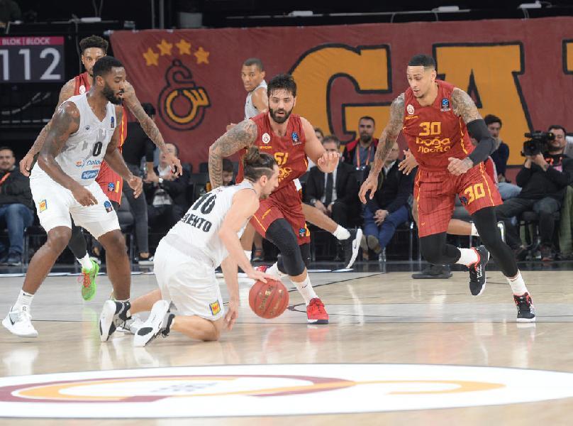 https://www.basketmarche.it/immagini_articoli/05-11-2019/eurocup-punti-forray-trascinano-aquila-basket-trento-vittoria-campo-galatasaray-600.jpg