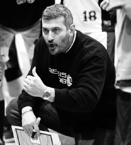 https://www.basketmarche.it/immagini_articoli/05-12-2019/ufficiale-andrea-riciputi-allenatore-dinamis-falconara-600.png