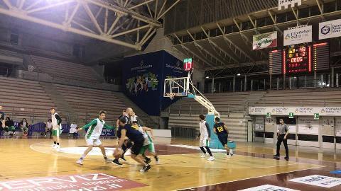 https://www.basketmarche.it/immagini_articoli/06-01-2018/serie-c-silver-buon-test-amichevole-per-il-campetto-ancona-contro-la-sutor-montegranaro-270.jpg