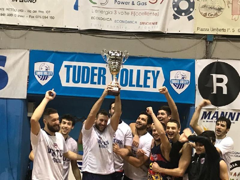 https://www.basketmarche.it/immagini_articoli/06-01-2019/virtus-assisi-trionfano-todi-conquistano-coppa-umbria-600.jpg