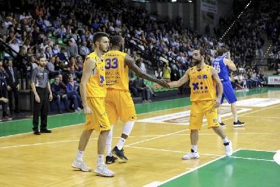 https://www.basketmarche.it/immagini_articoli/06-02-2018/serie-a2-la-poderosa-montegranaro-riceve-il-lanciatissimo-treviso-basket-270.jpg