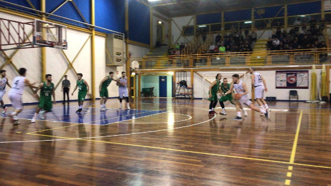 https://www.basketmarche.it/immagini_articoli/06-02-2020/virtus-terni-firma-colpaccio-campo-basket-gubbio-600.jpg