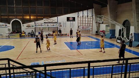 https://www.basketmarche.it/immagini_articoli/06-03-2018/promozione-d-posticipo-convincente-vittoria-del-pedaso-basket-sul-campo-della-sambenedettese-270.jpg