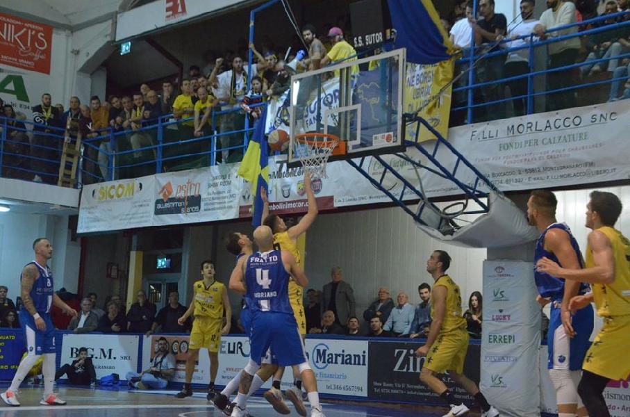https://www.basketmarche.it/immagini_articoli/06-03-2020/sfida-janus-fabriano-sutor-montegranaro-diretta-radio-gold-600.jpg