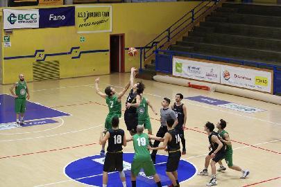 https://www.basketmarche.it/immagini_articoli/06-04-2018/promozione-live-ultima-giornata-di-regular-season-i-risultati-dei-quattro-gironi-in-tempo-reale-270.jpg