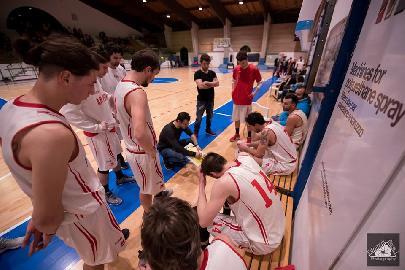 https://www.basketmarche.it/immagini_articoli/06-04-2018/serie-c-silver-la-pallacanestro-pedaso-cerca-contro-la-virtus-porto-san-giorgio-i-due-punti-playoff-270.jpg