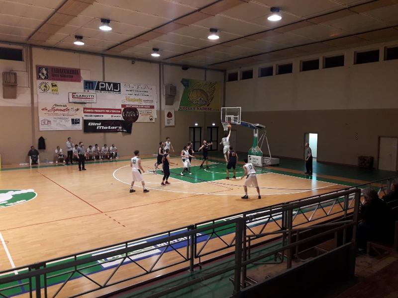 https://www.basketmarche.it/immagini_articoli/06-04-2019/playoff-titans-jesi-espugnano-campo-basket-vadese-ribaltano-fattore-campo-600.jpg