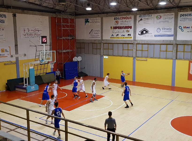 https://www.basketmarche.it/immagini_articoli/06-04-2019/serie-silver-playoff-fattore-campo-confermato-tutte-vittorie-interne-anticipi-gara-600.jpg