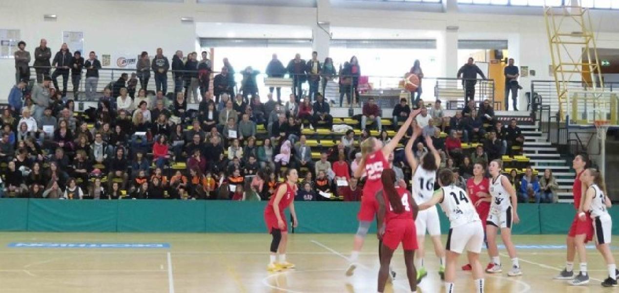 https://www.basketmarche.it/immagini_articoli/06-05-2019/femminile-playoff-basket-girls-ancona-espugna-siena-conquista-finale-600.jpg