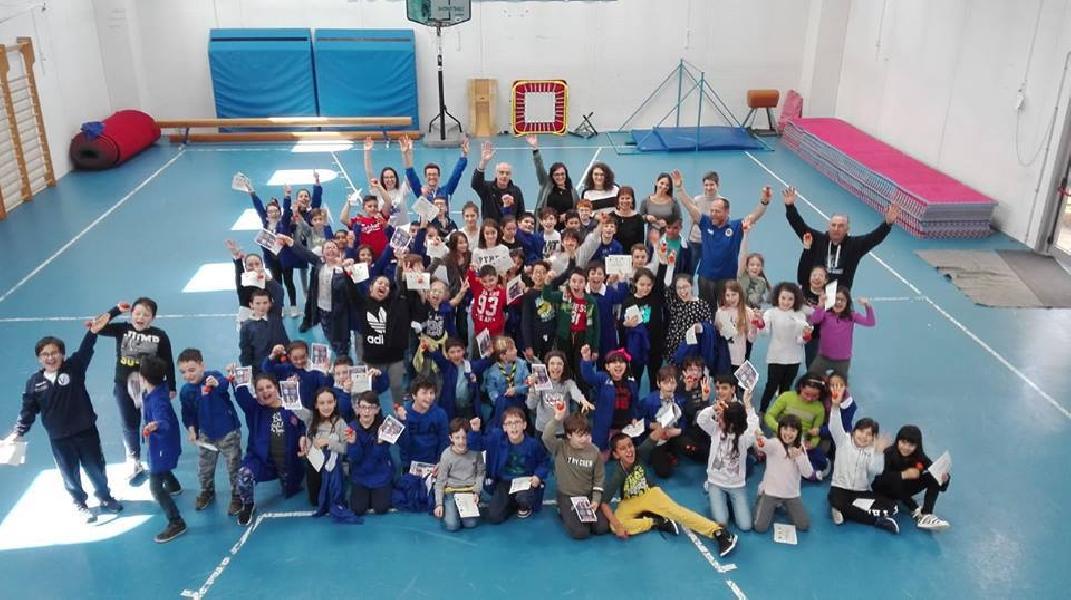 https://www.basketmarche.it/immagini_articoli/06-05-2019/progetto-basket-scuola-grande-successo-fabriano-sassoferrato-genga-oltre-1000-bambini-coinvolti-600.jpg