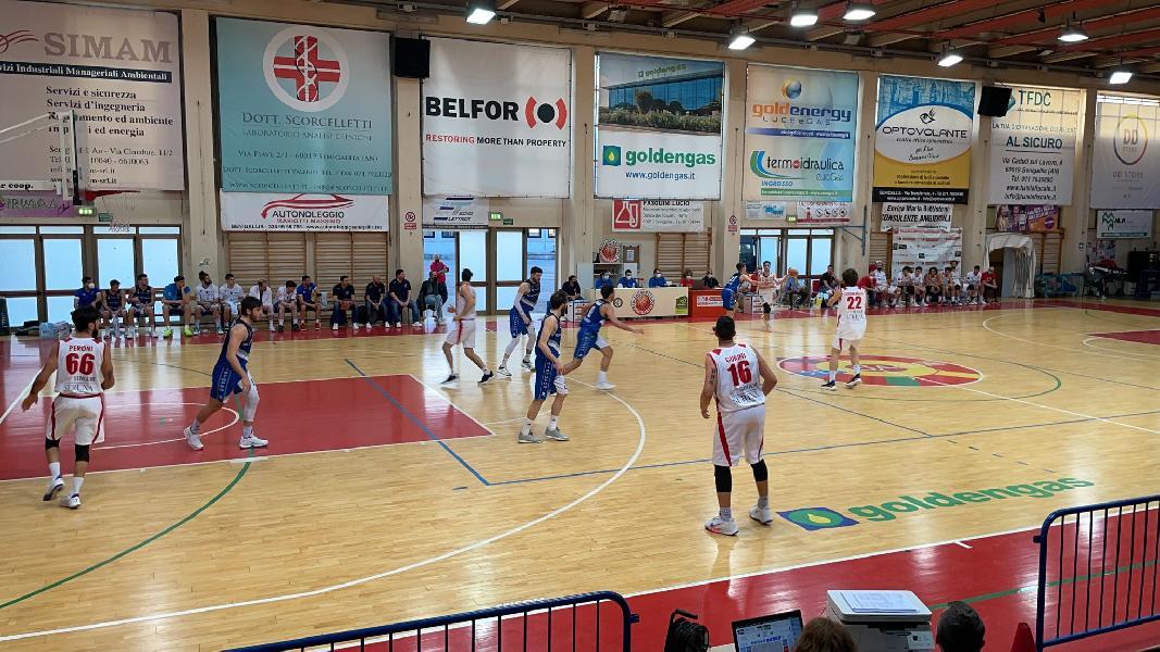 https://www.basketmarche.it/immagini_articoli/06-05-2021/recupero-pallacanestro-senigallia-ferma-corsa-janus-fabriano-600.jpg