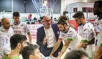 https://www.basketmarche.it/immagini_articoli/06-06-2020/ufficiale-separano-strade-paffoni-omegna-coach-giorgio-salvemini-120.jpg
