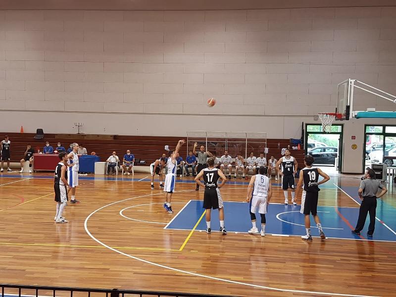 https://www.basketmarche.it/immagini_articoli/06-06-2021/titano-marino-supera-autorit-pallacanestro-acqualagna-vince-matematicamente-girone-600.jpg