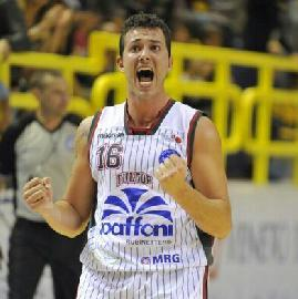 https://www.basketmarche.it/immagini_articoli/06-07-2018/serie-b-nazionale-ufficiale-giacomo-gurini-torna-alla-pallacanestro-senigallia-270.jpg