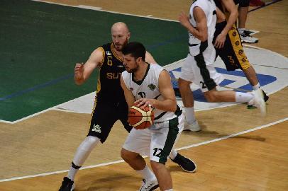 https://www.basketmarche.it/immagini_articoli/06-07-2018/serie-c-gold-si-separano-le-strade-del-nuovo-basket-fossombrone-e-di-eugenio-cecchini-270.jpg