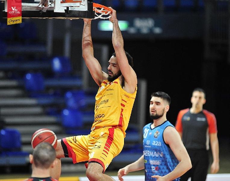 https://www.basketmarche.it/immagini_articoli/06-07-2021/derthona-basket-irrompe-corsa-tyler-cain-600.jpg