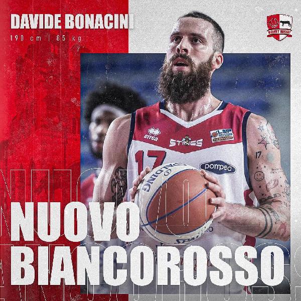 https://www.basketmarche.it/immagini_articoli/06-07-2021/ufficiale-davide-bonacini-giocatore-bakery-piacenza-600.jpg